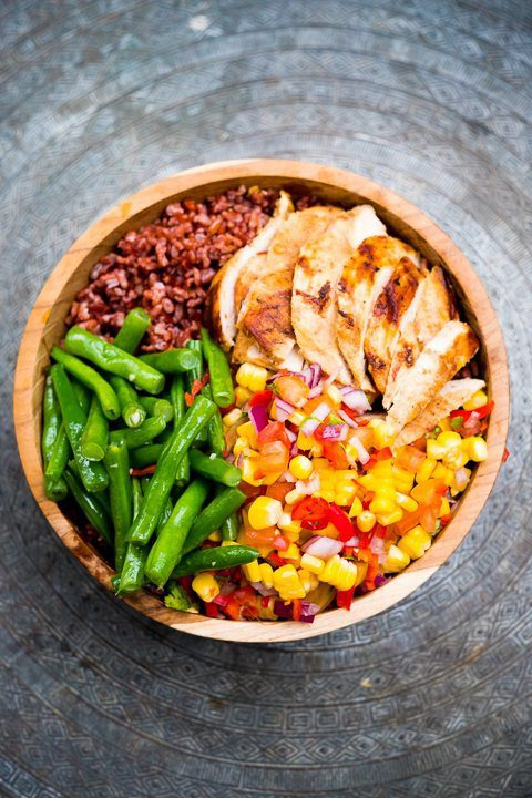 Bowl of delicious food at Bliss, where you can enjoy unlimited healthy and yummy fresh food, included in your Wellbeing Retreat