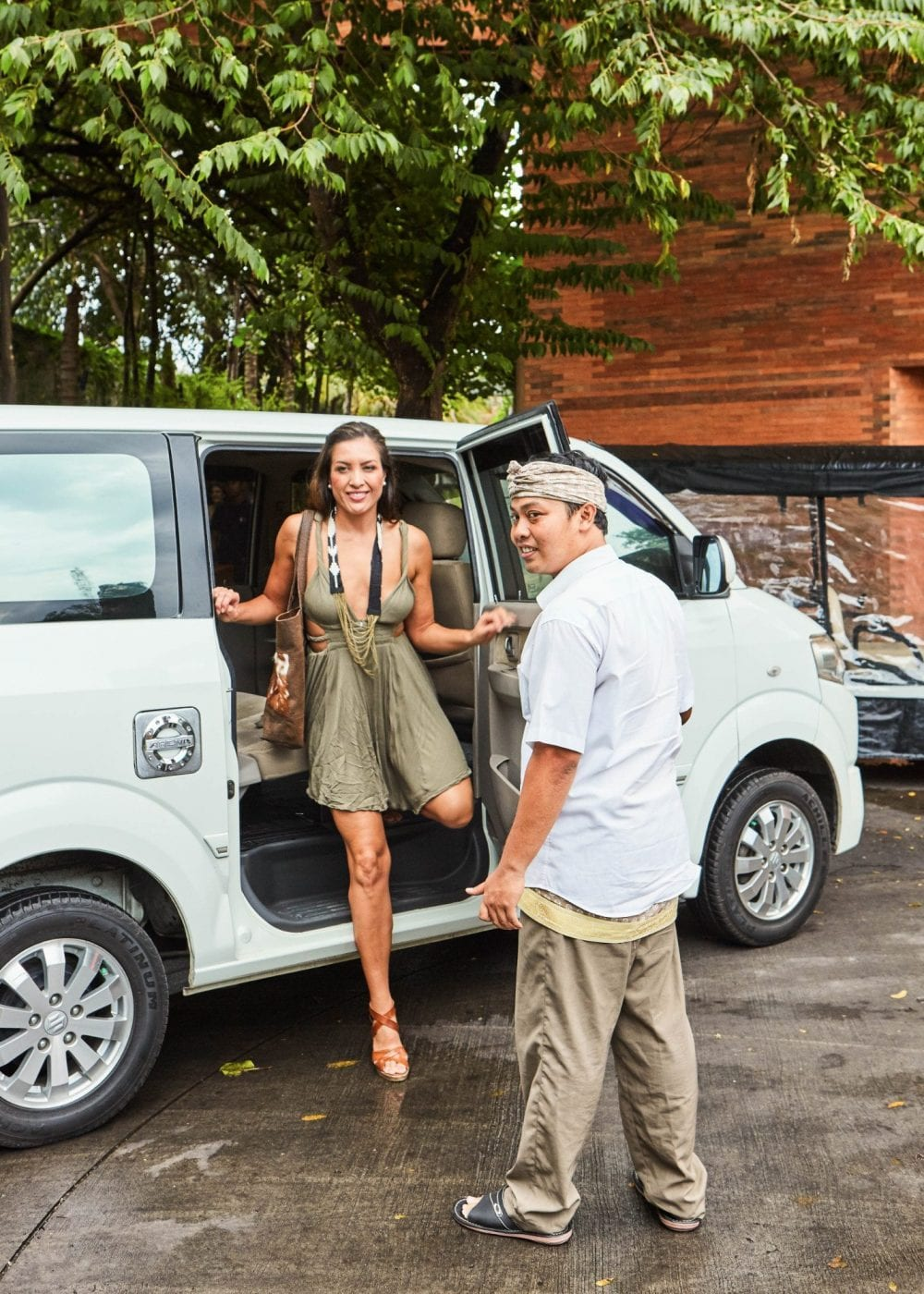 Indulge your sightseeing bliss with our personal driver to take you around and show you the highlights of Bali.