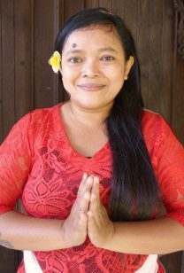 Our people - Canggu Staff - Poppy - Therapist